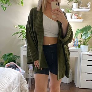 OLIVE GREEN KNIT CARDIGAN SWEATER